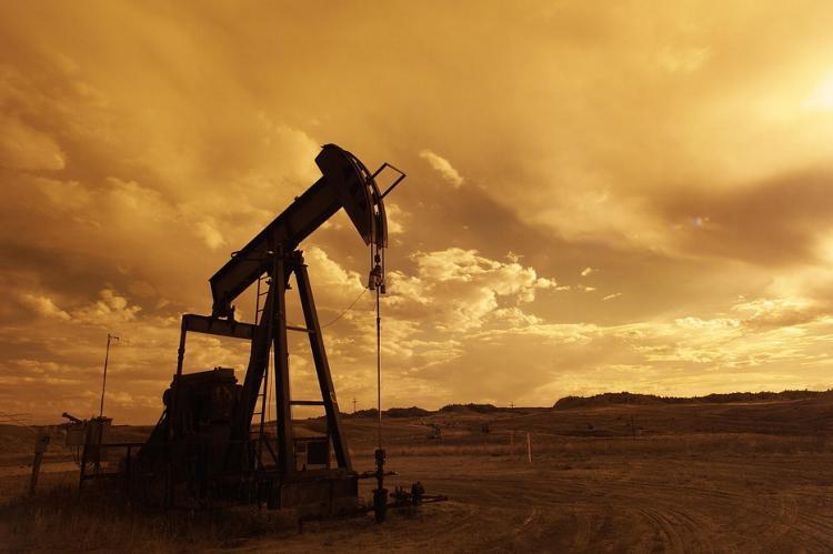 Стоимость нефти падала из-за новостей из Ливии