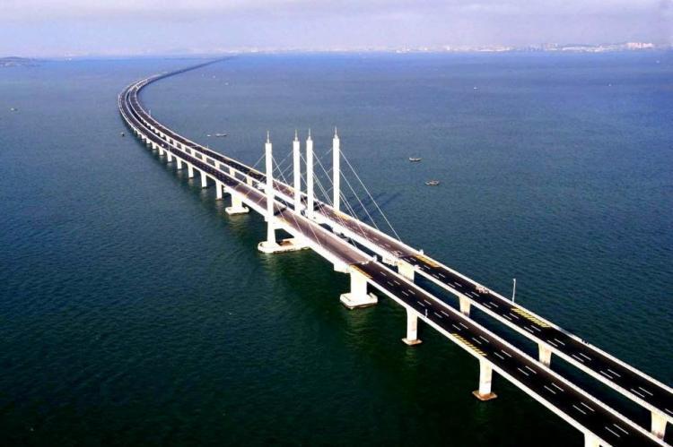 Google Maps подписал Крымский мост на двух языках