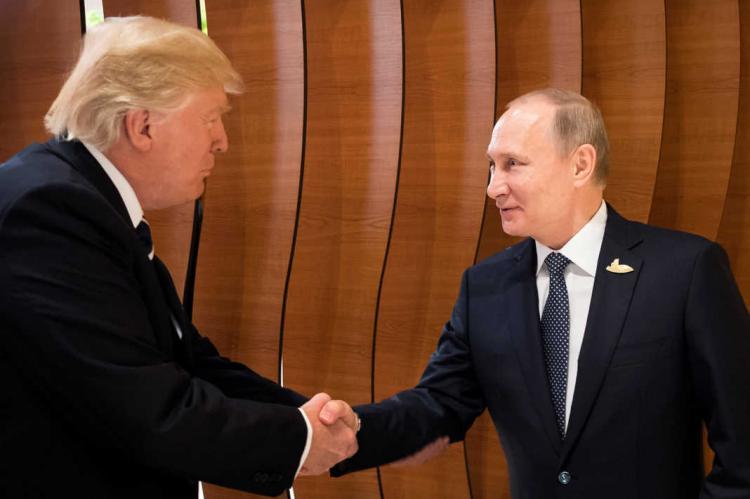Путин предложил Трампу провести референдум по Донбассу