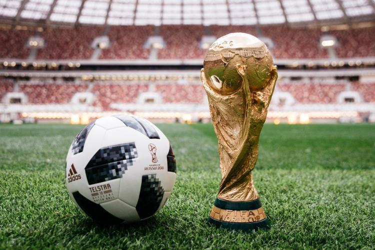 Глава МИД Украины призвал испортить футбольный праздник в России