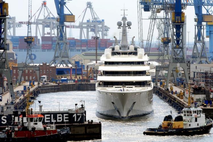 Самый большой ледокол для России построят в Германии