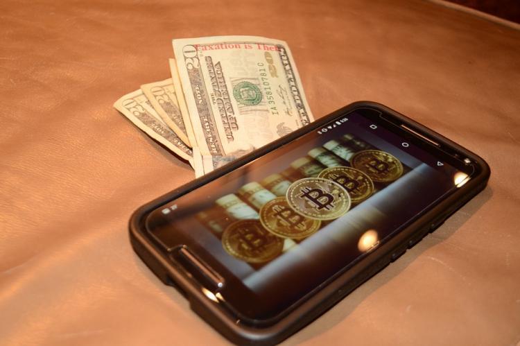 В Барселоне показали смартфон для безопасного хранения криптовалюты