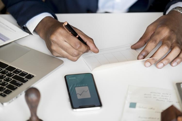Минтруд предложил разрешить увольнение сотрудников за утрату доверия