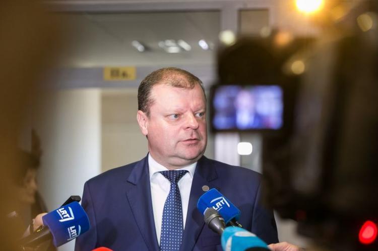 Литва взбудоражилась от губанитарной помощи из китая доставленной на российском самолете