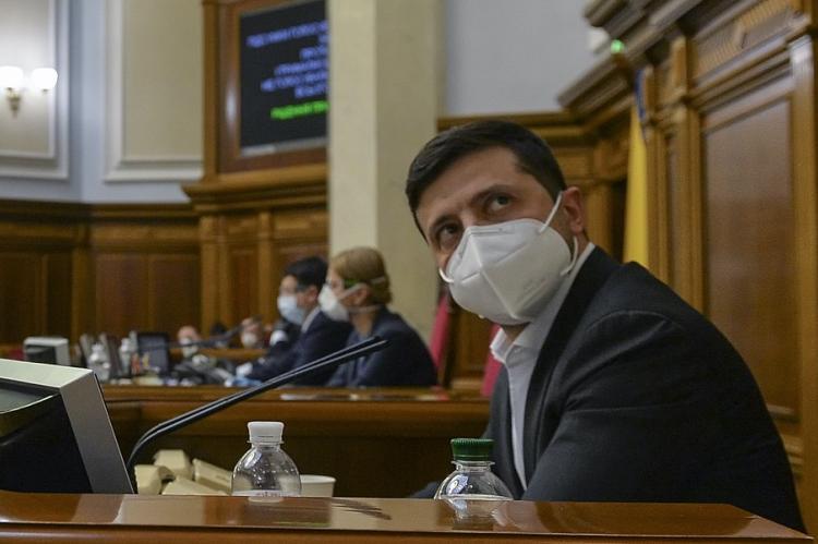 Украинский политолог заявил о запугивании Зеленского извне