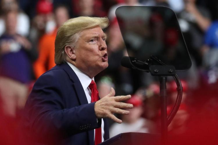 Трамп выступил с заявлением после удара Ирана по американским базам