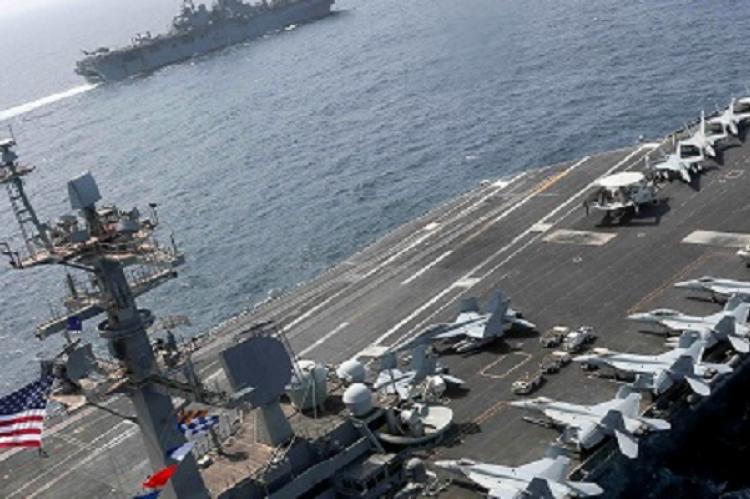 Трамп разрешил военным уничтожать создающие судам помеху иранские катера