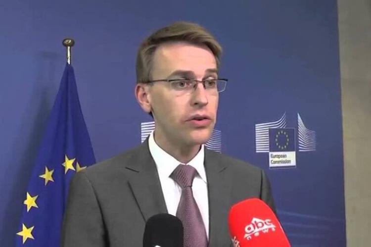 В Еврокомиссии обвинили Россию в распространении теорий заговора о COVID