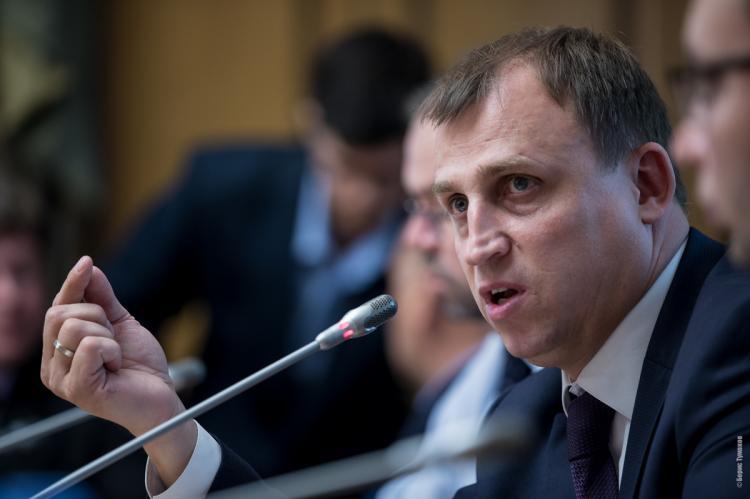 Депутат объяснил, зачем нужен налог надомохозяек