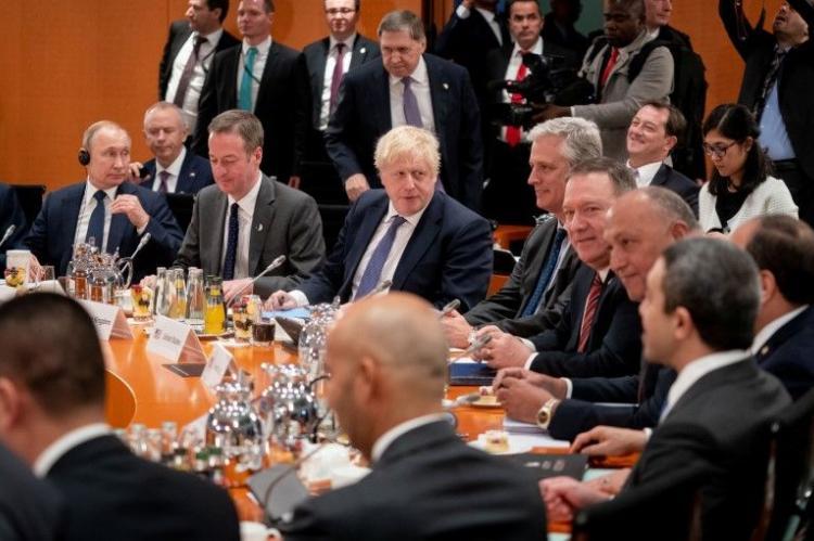 Джонсон объяснил Путину причины отсутствия хороших отношений с Россией