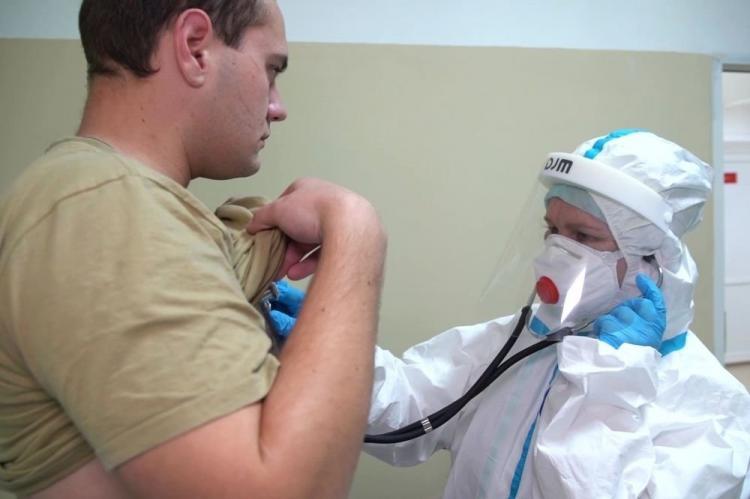 Иммунитет к коронавирусу после испытаний российской вакцины выработан у 100% добровольцев