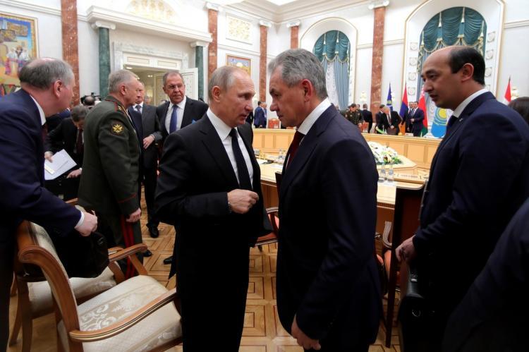 Лукашенко договорился с Путиным о помощи «по обеспечению безопасности»