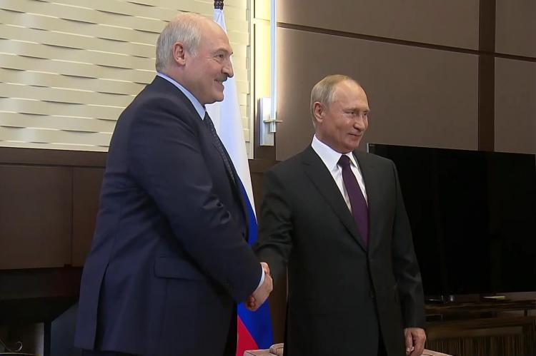 Экономист рассказал, откуда возьмут миллиарды на кредит Лукашенко