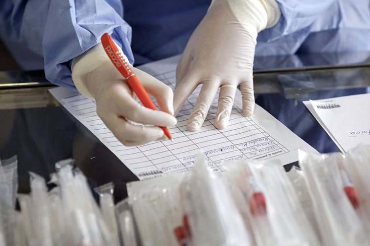 В России выявили 8599 новых случаев заражения коронавирусом
