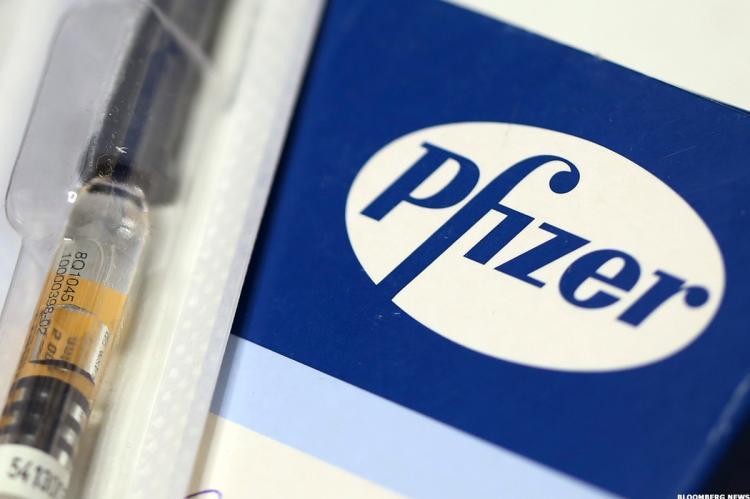 Pfizer временно сокращает поставки вакцины в Европу