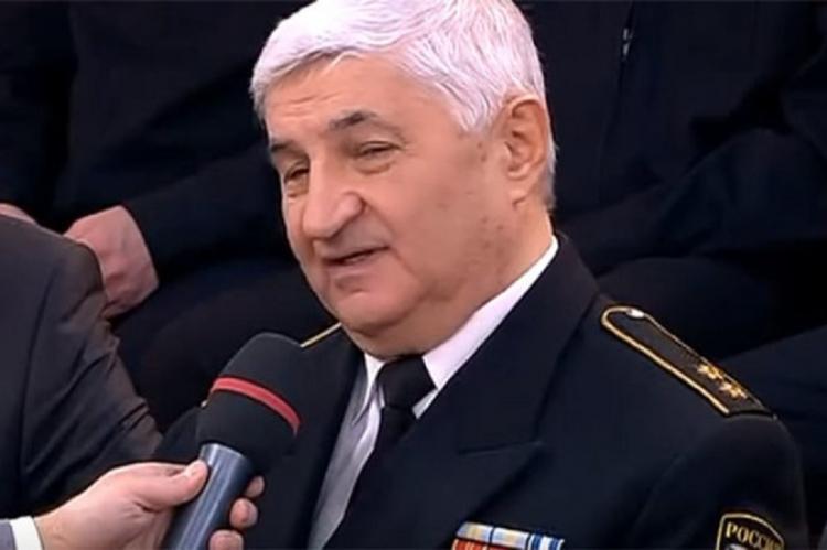Вице-адмирал призвал покончить с заходом кораблей ВМС США в Черное море