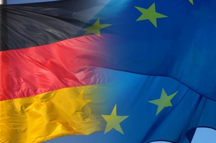 Флаги Германии и ЕС