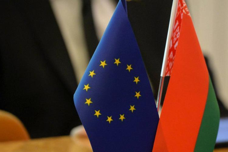 Флаги ЕС и Белоруссии