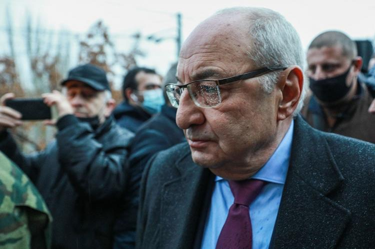 Глава армянской оппозиции Вазген Манукян