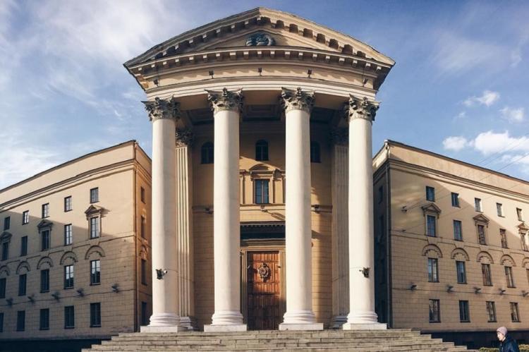 Минск заявил об аресте счетов у жены замглавы российского Минфина