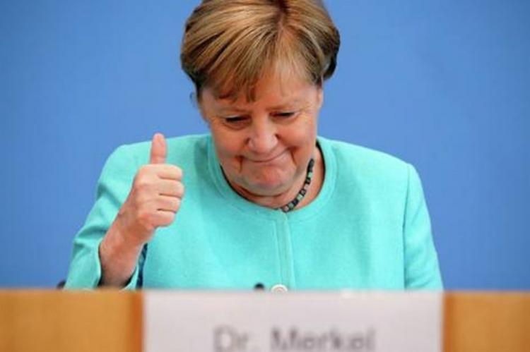 Меркель холодно приняли в Киеве