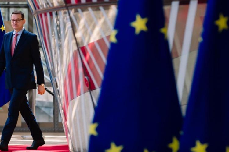 """Польша требует от ЕС возбуждения дела в отношении """"Газпрома"""""""