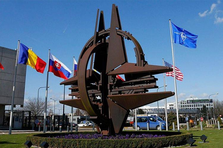 В НАТО оценили помощь РФ иностранным государствам в борьбе с COVID-19