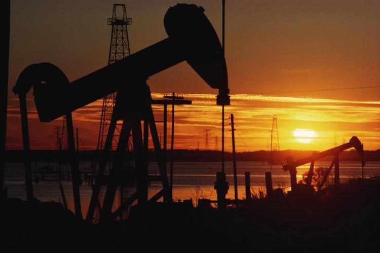 Белоруссия намерена покупать российскую нефть в апреле по 4 доллара