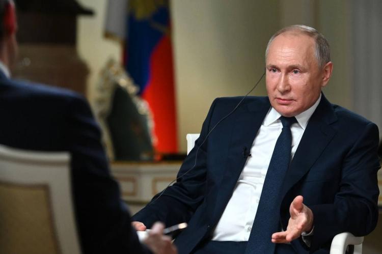 """Путин потребовал от журналиста NBC """"не затыкать ему рот"""""""