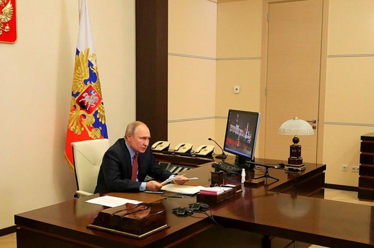 Путин в рабочем кабинете
