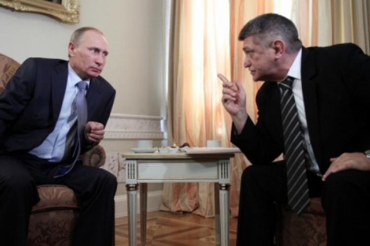 Сокуров раскрыл степень осведомленности Путина о воровстве в России