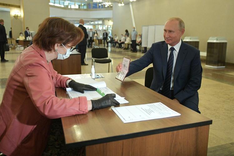 В Кремле назвали «триумфом» результаты голосования по Конституции