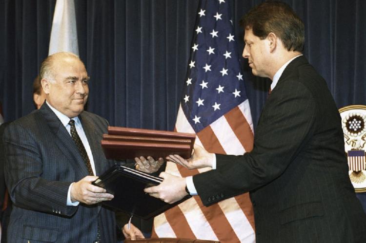 Анатолий Вассерман рассказал, какой ущерб нанес Штатам российский оружейный уран