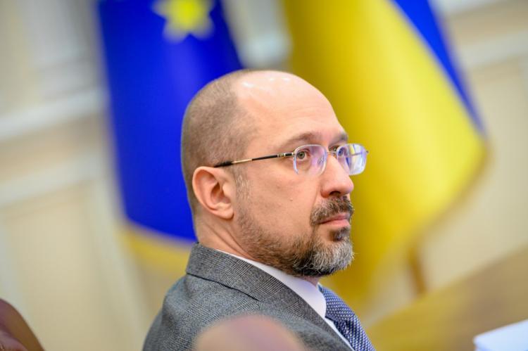 Премьер Украины заявил о нехватке денег на выплату пенсий