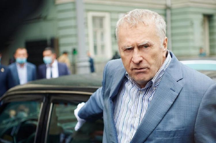 """Жириновский призвал Навального """"остановиться и забыть про возвращению в Россию"""""""