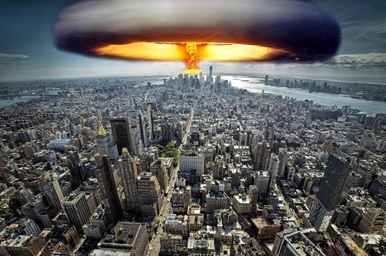 Ядерный взрыв над городом