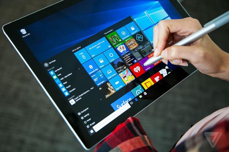Ноутбук с ОС Windows 10