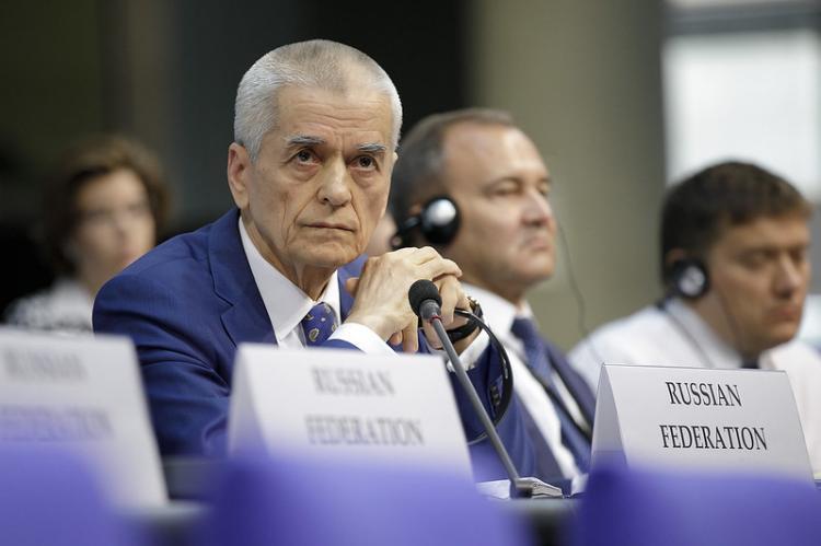 Онищенко призвал Россию выходить из карантина