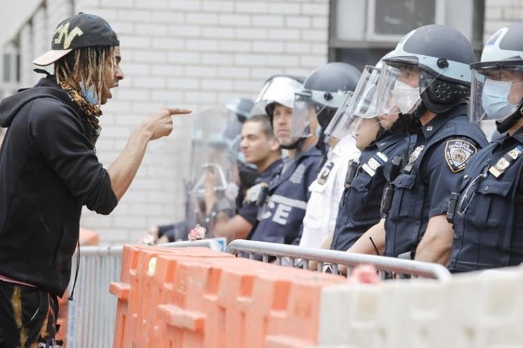 В США создают вооруженный отряд для борьбы с жестокостью полиции — BLM