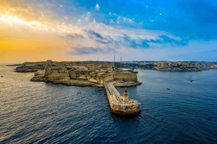Биржа OKEx переносит свой бизнес на Мальту