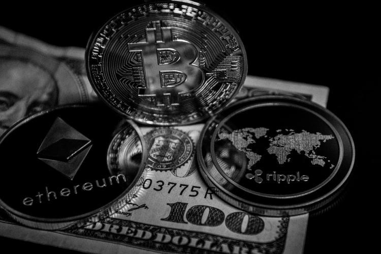 Глава ЦБ Китая напомнил о недопустимости использования криптовалют в качестве платёжного средства
