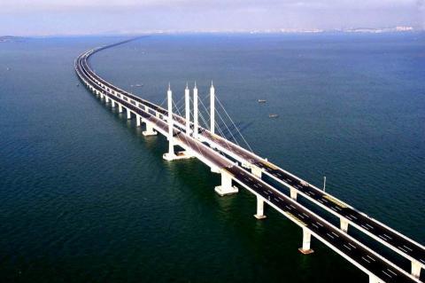 По Крымскому мосту проехало более миллиона автомобилей