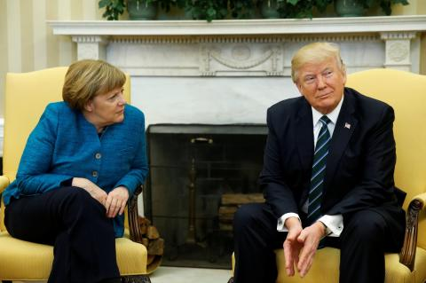 """Трамп и Меркель не сошлись в вопросе строительства """"Северного потока-2"""""""