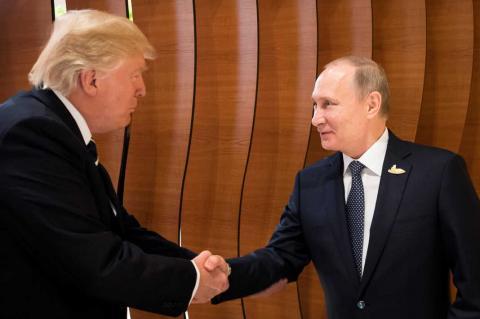 Команда Трампа проигнорировала его желание встретиться с Путиным