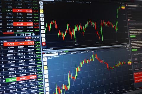 Листинг токена на криптовалютную биржу стоит от $50 000 до $1 млн