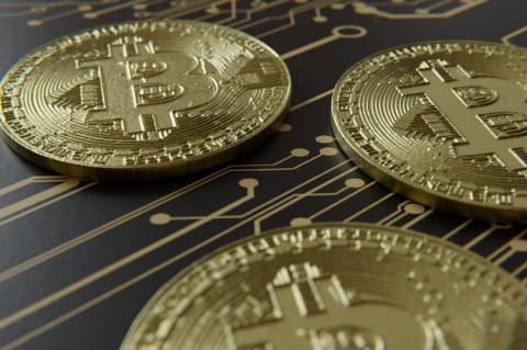 Курс биткоина поставит новые рекорды в течении года