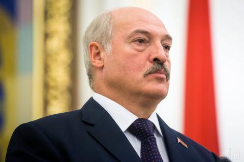 Лукашенко отказался переводить белорусов на «удаленку»