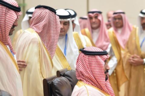 в Саудовской Аравии сразу 150 принцев заразились коронавирусом
