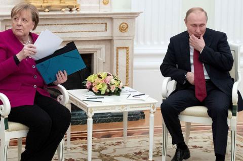 Путин призвал закрепить особый статус Донбасса в Конституции Украины