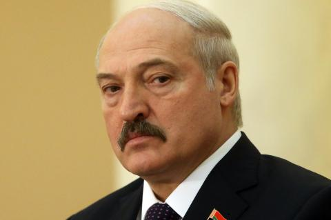Путин найдет преемника и покинет пост президента до 2036 года, уверен Лукашенко